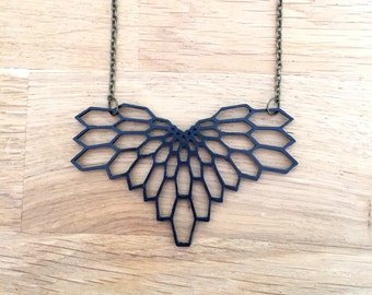 Winged pendant graphic print