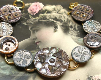 """1800s Antique BUTTONs bracelet. Victorian mother-of-pearl on gold. One of a kind jewellery. 7.5""""."""