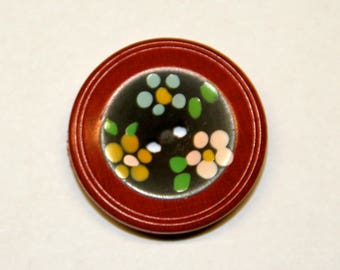 9 vintage buttons made of wood
