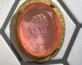 Pink Lucite Engrave Gold Tone Cameo Brooch Pin