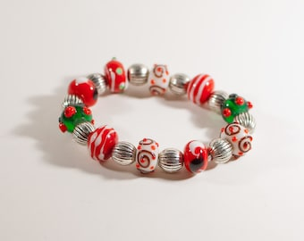 Red, White & Green Christmas Beaded Stretch Bracelet
