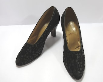 Vintage Shoes - 1930s Suede Shoes With Incised Leaf Pattern - Black - Size 7, EU 37.5