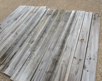Reclaimed Old Fence Wood Boards for Accent Wall - 15 Fence Boards - 68 Inch Length - Weathered Barn Wood Planks - Great For Rustic Crafting!