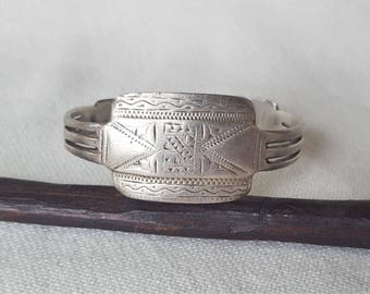 old mauritanian cuff in silver