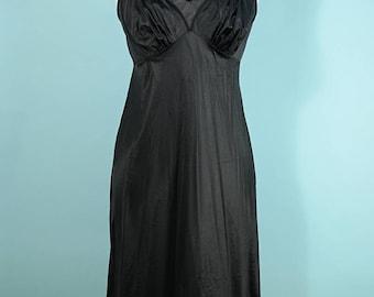 Vanity Fair Vintage 60s Black Slip, Pinup Boudoir Lingerie 34 S