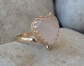 Rose Quartz Ring, Heart Shaped Ring, Anniversary Gift for Wife Gift, Soft Pink Gemstone Ring, Pink Gemstone Ring, Rose Quartz Heart Ring