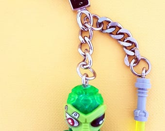 Alien Minifigure with Green Brains and Lightsabe Custom Made Using LEGO Parts