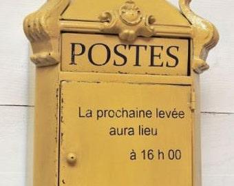 Poste de boîte aux lettres un numéro de boîte aux lettres Français case postale poste de boîte aux lettres boîte jaune français boîte aux lettres clé support mural porte-clé Provence France lettres