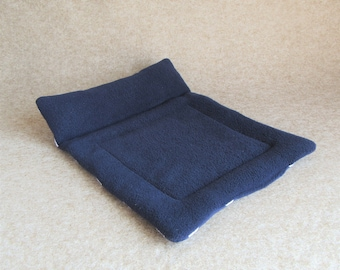 Guinea Pig Chaise Longue - Blue/White