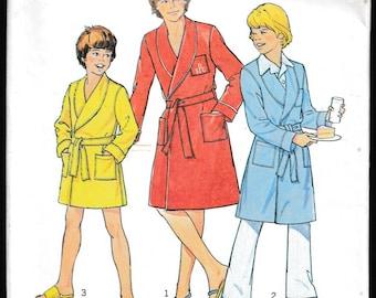 Simplicity 7066 Boy's Robe