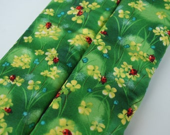 Seatbelt covers car 1 pair Ladybug pattern with green background seatbelt covers
