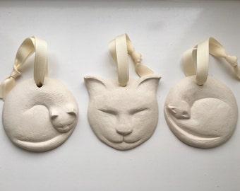 Ceramic cat decorations (set of 3)