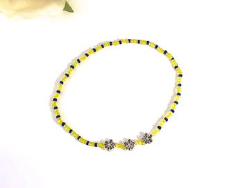 FLOWER POWER ANKLET daisy charm daisy anklet flower anklet cobalt blue yellow anklet blue anklet blue beads yellow beads stretch anklet