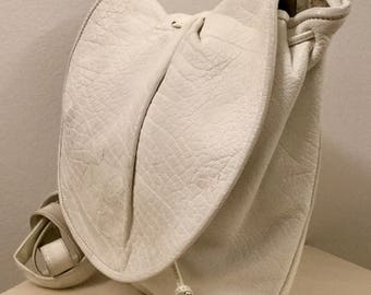 Cool Vintage CARLOS FALCHI White Leather Bag/Hand Made Crossbody Purse