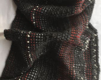 Hand-woven big scarf (1.85 x0, 40 m) in anthracite with white, light grey and red stripes with fringes