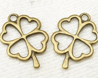Antiqued Bronze Heart Four Leaf Clover Charms (6) - A11