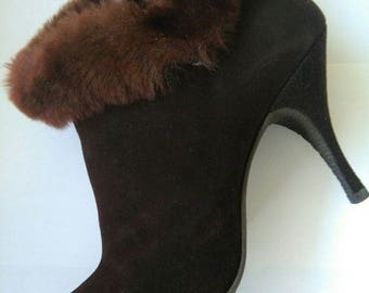 Vintage chocolate brown fur trimmed ankle boots size 8