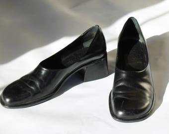vintage 90s franco sarto l black leather pumps   leather pumps   size 8 heels    vintage heels   women's shoes   leather heels   Able Shoppe