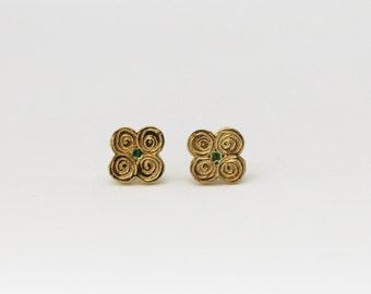 Clover earrings, gold clover earrings, dainty earrings,delicate earrings,everyday earrings, gold stud earrings, clover stud, minimalist stud