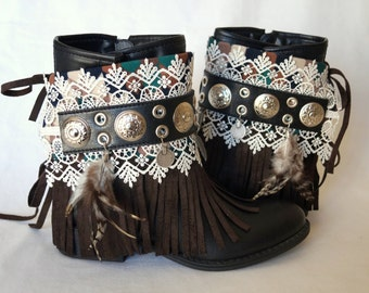 Native American fringe boot covers-Boho boot covers -Gypsy boot cuffs-70' clothing-Hippie boot cuffs-Boot socks-Ethnic boot cuffs