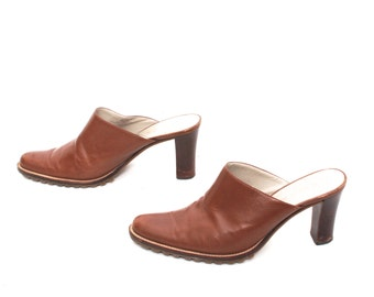 size 8 CLOGS brown leather 80s 90s MULES high heel