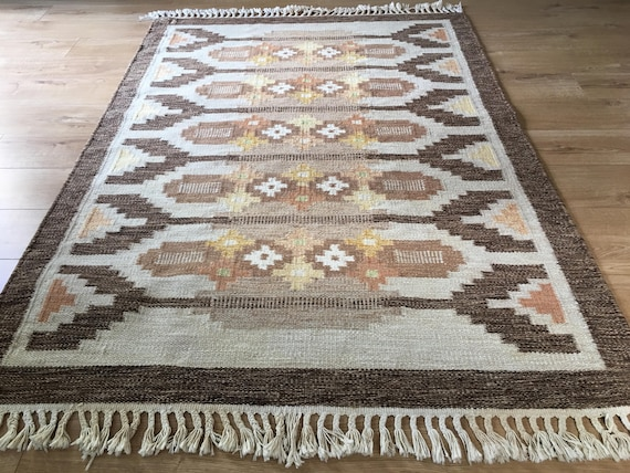 Vintage Swedish rollakan designed by Ingegerd Silow in brown and cream colourway