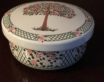 Hankook Trinket Box - Candy Dish - Jewelry Box - Korea - White, Green and Pink