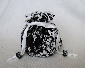 Drawstring Jewelry Pouch - Medium Size - Bag for Jewelry - Travel Tote - CLASSIC BLACK