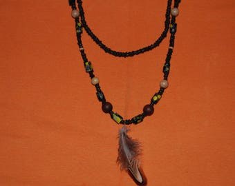 Ethnic necklace two rows with feather