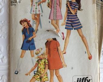 Simplicity Jiffy Pattern 8721 / Girls Size 7 Dress / 1970
