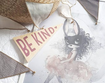 Wooden wall plaque 'Be Kind'