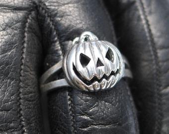 Silver Jack-o-lantern ring