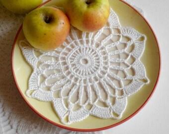 Crochet doily Small white doily handmade doily Cotton lace doilie Small crochet doilies Crochet snowflake 209