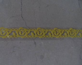 1 meter decal yellow flowers lace
