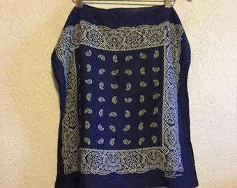 Vintage Navy Blue Bandana ~ All Cotton Fast Color ~ Classic Paisley