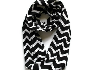 READY TO SHIP Black & White Chevron Infinity Scarf / Loop Scarf / Modern / Circle Scarf
