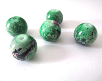 10 purple speckled Green 12mm glass beads