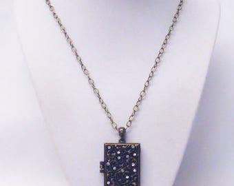 Vintage Box OX Brass w/Crystal/Paisley Design Locket Pendant Necklace