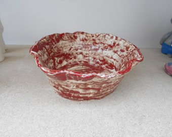 Red and white salad bowl
