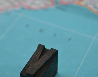 Antique Vintage Letterpress Block Wood Type Letter V
