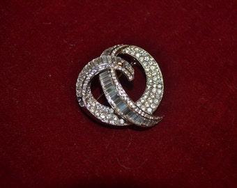 Vintage silver tone rhinestone brooch tjan91