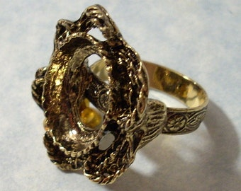 Antique Gold Vintage Cast Metal Adjustable Ring Blank with 18 x 13 mm Cabochon Setting