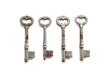 Heart  Skeleton Key . vintage heart key . Key to My Heart . vintage keys . vintage skeleton key . key charm . key pendant silver key lot 112