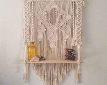 Macrame Wall Hanging / Shelf 'Bella'