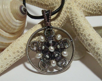 Tutorial for Wire Wrapped Flower pendant.