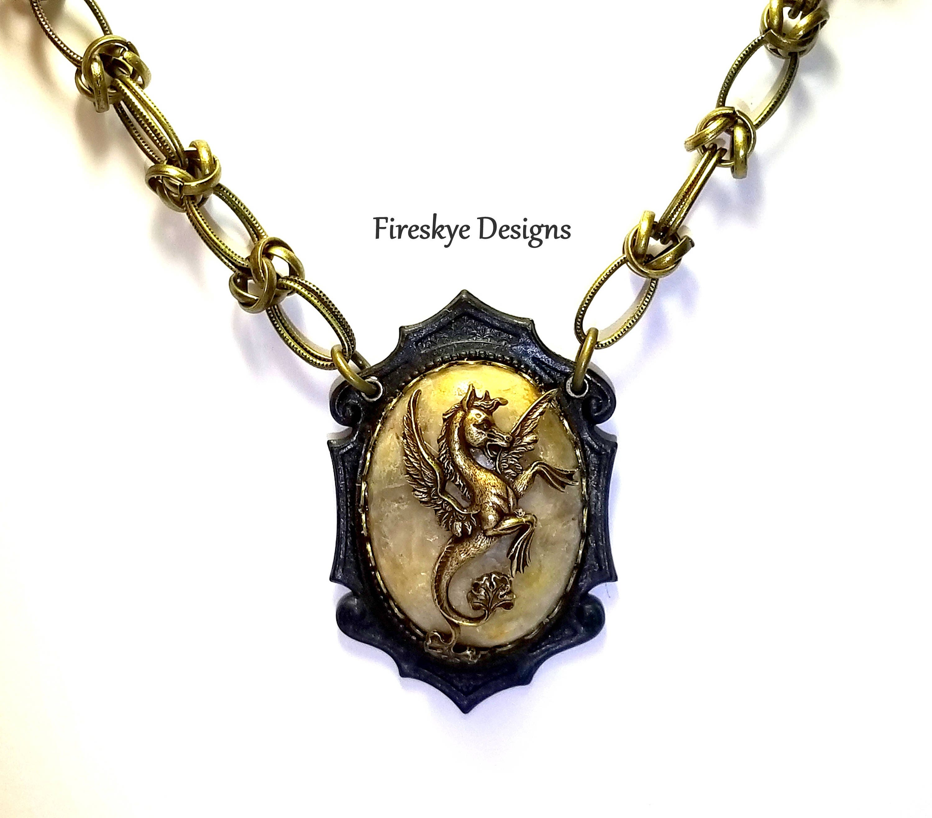 gold silver necklace with or seahorse plated pendant