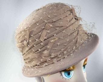 Vintage Ladies Wool Felt Hat with Netting Henry Pollak Glenover Tan Beige