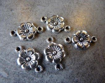 X 4 Silver Flower connectors