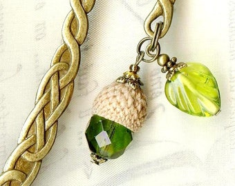 Green Acorn and leaf glass olivine Crystal Bohemian MP168 bookmark