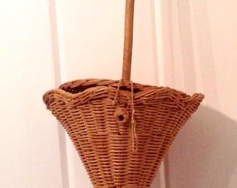 Vintage figural rattan wicker parasol purse bag